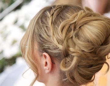 Brautfrisuren und Braut Make-Up in Leverkusen