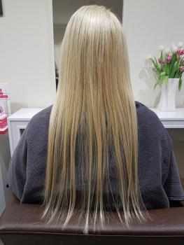 Haarverlängerung blond vorher