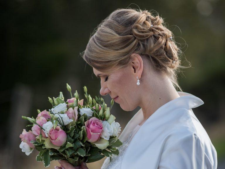 Hochsteckfrisur fuer Hochzeit in Leverkusen