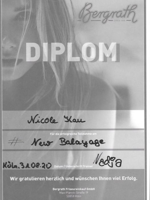 Friseurin Nicole Kau Zertifikate