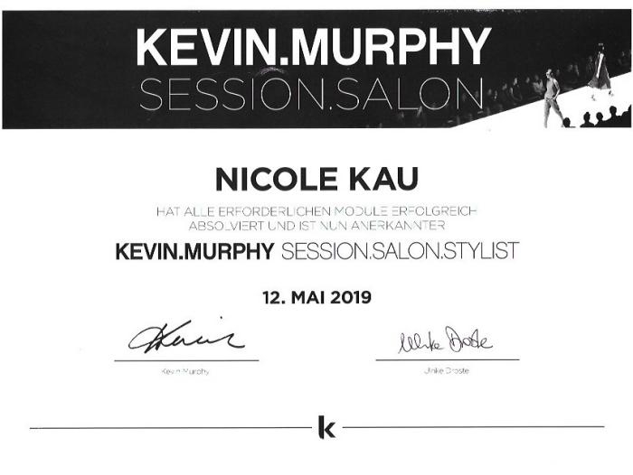 Friseurin Nicole Kau Zertifikat